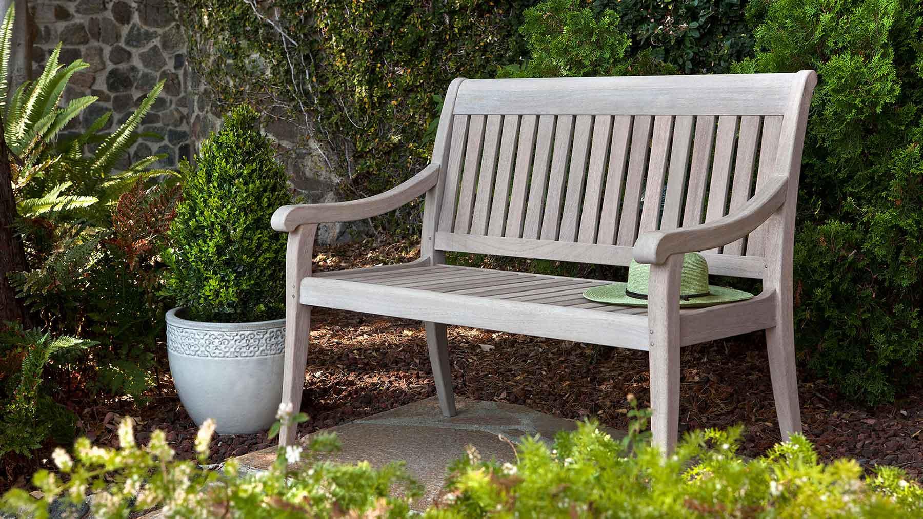 Chaise d'extérieur en bois